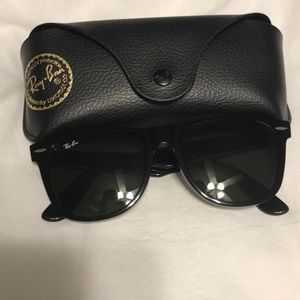 Ray Ban- Black Large Wayfarer RB2140 (54 18)